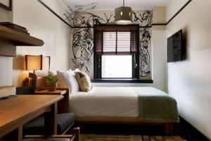 Queen bedroom at Freehand Hotel New York